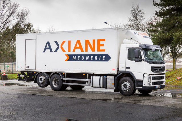 Camión de Axiae Menuerie distribuyendo productos. Imagen: Axiane